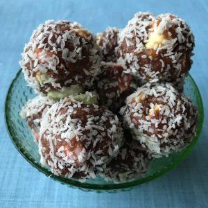 VJ cooks Lolly cake balls