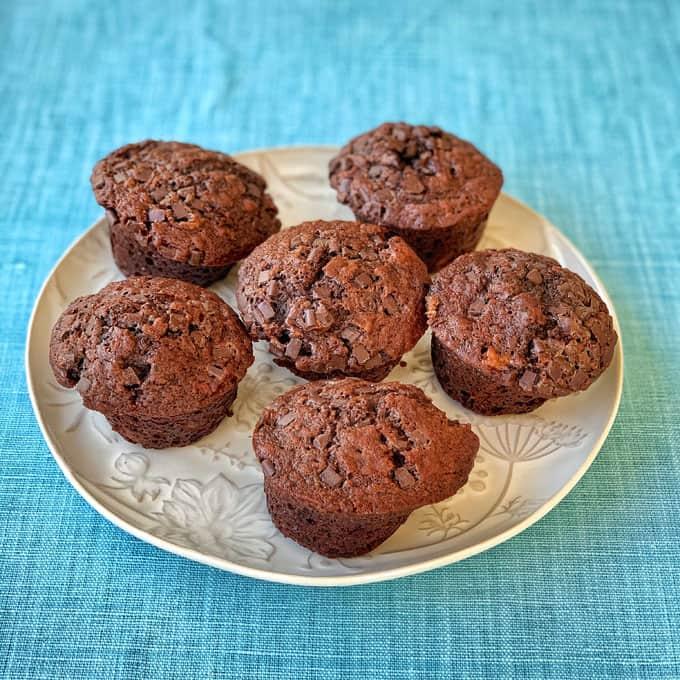 VJ cooks chocolate banana muffins