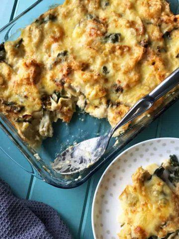 Cauliflower cheese pasta bake