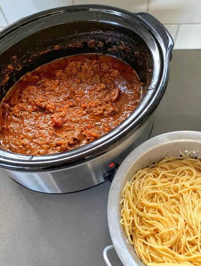 Slow cooker spaghetti bolognese