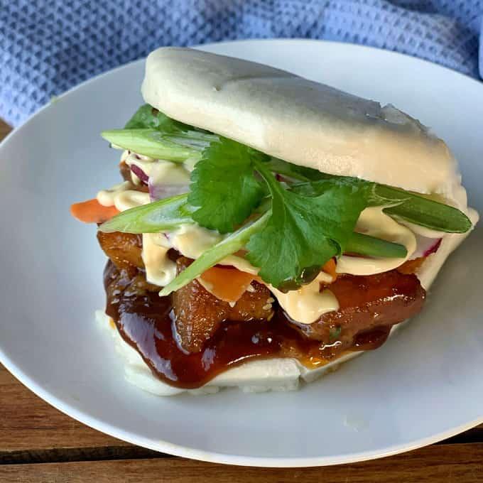 Sticky pork bao buns with hoisin sauce and Japanese mayo