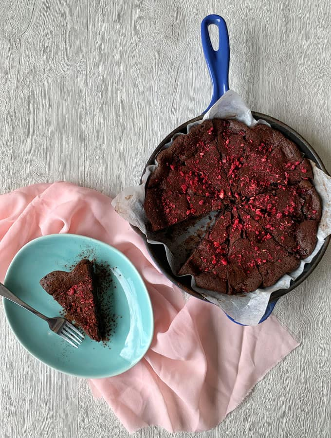 raspberry and chocolate skillet brownie