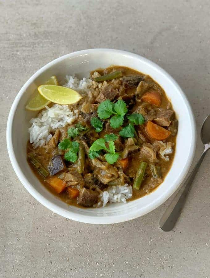 Slow cooker beef red curry
