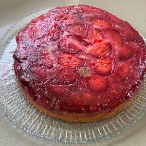 upside down gluten free plum cake