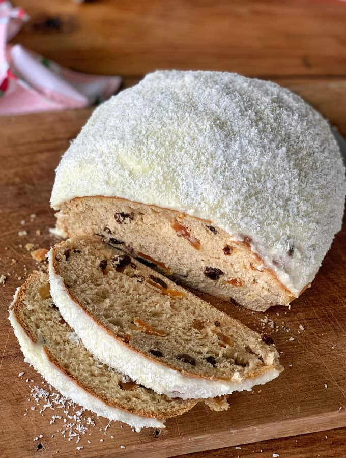 hot cross bun sally lunn sliced