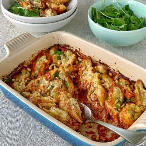 Tuna and ricotta baked pasta shells