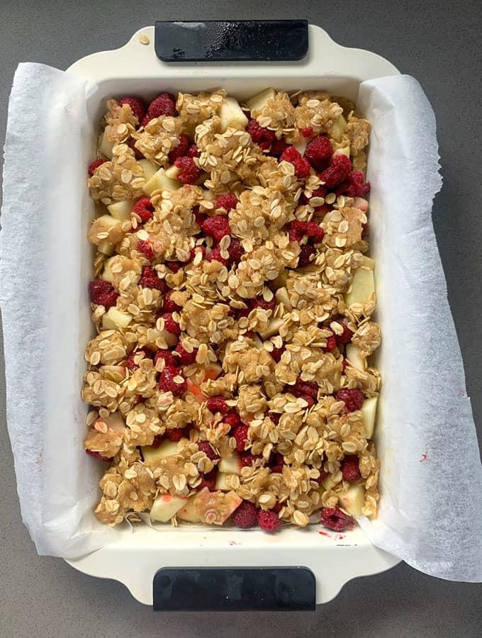 Apple and raspberry crumble slice