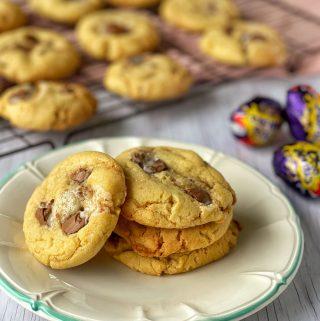 Cream egg cookies