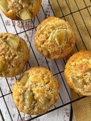 Apple oaty muffins